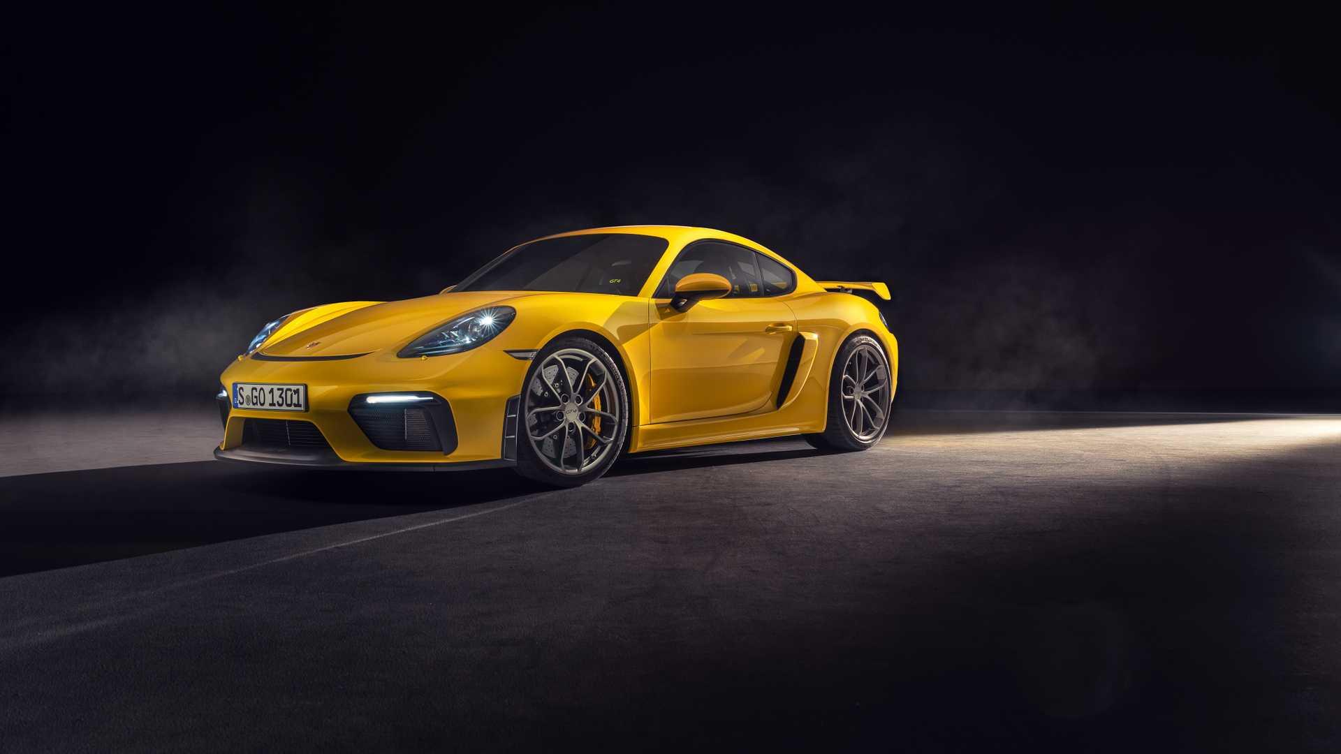 Porsche 718 Cayman GT4 e 718 Spyder: due anime per un sei cilindri aspirato