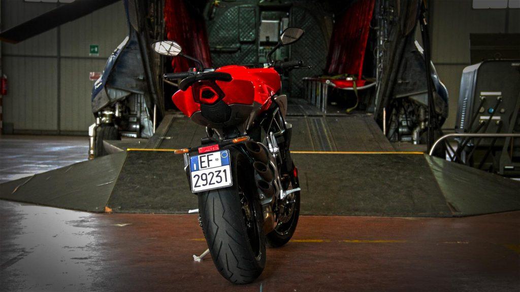 mv-agusta-brutale-800-prova-test-120