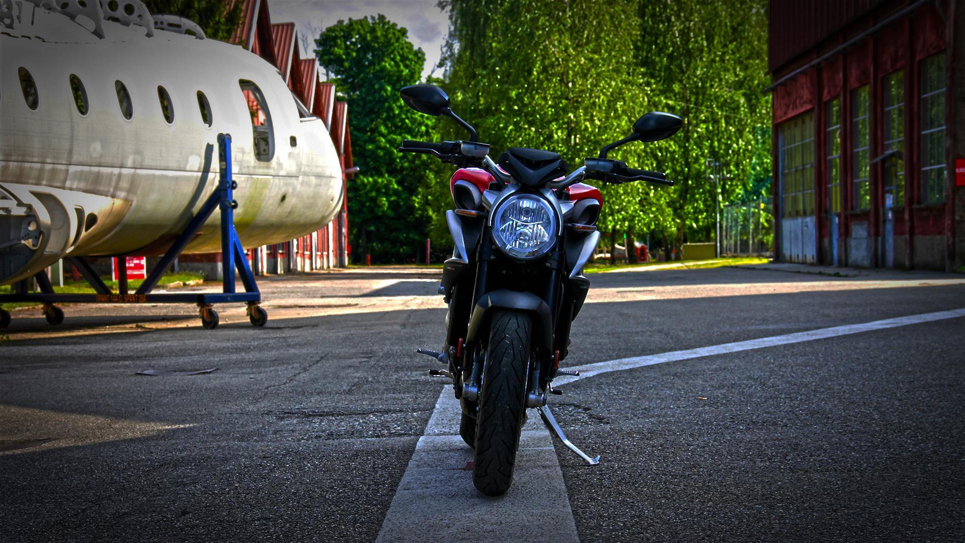 mv-agusta-brutale-800-prova-test-35