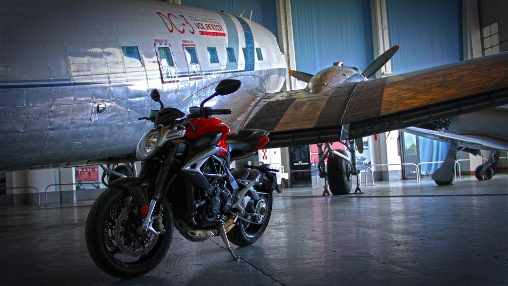 mv-agusta-brutale-800-prova-test-67