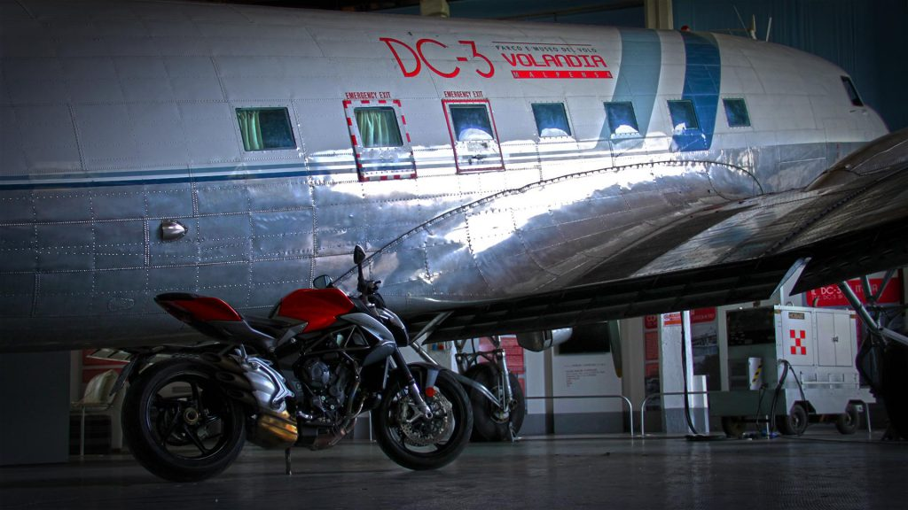 mv-agusta-brutale-800-prova-test-68