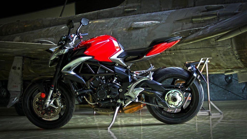 mv-agusta-brutale-800-prova-test-73