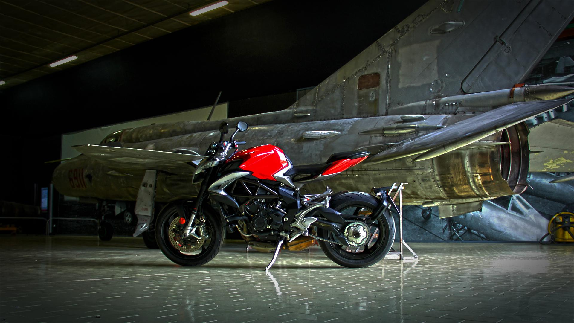 mv-agusta-brutale-800-prova-test-74