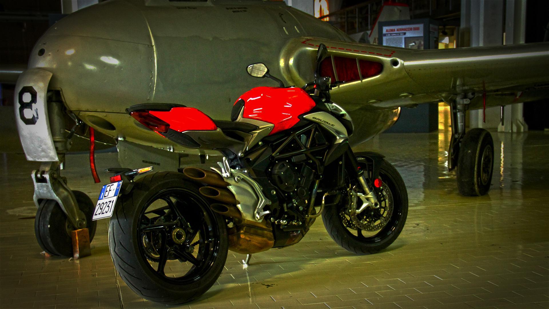 mv-agusta-brutale-800-prova-test-76