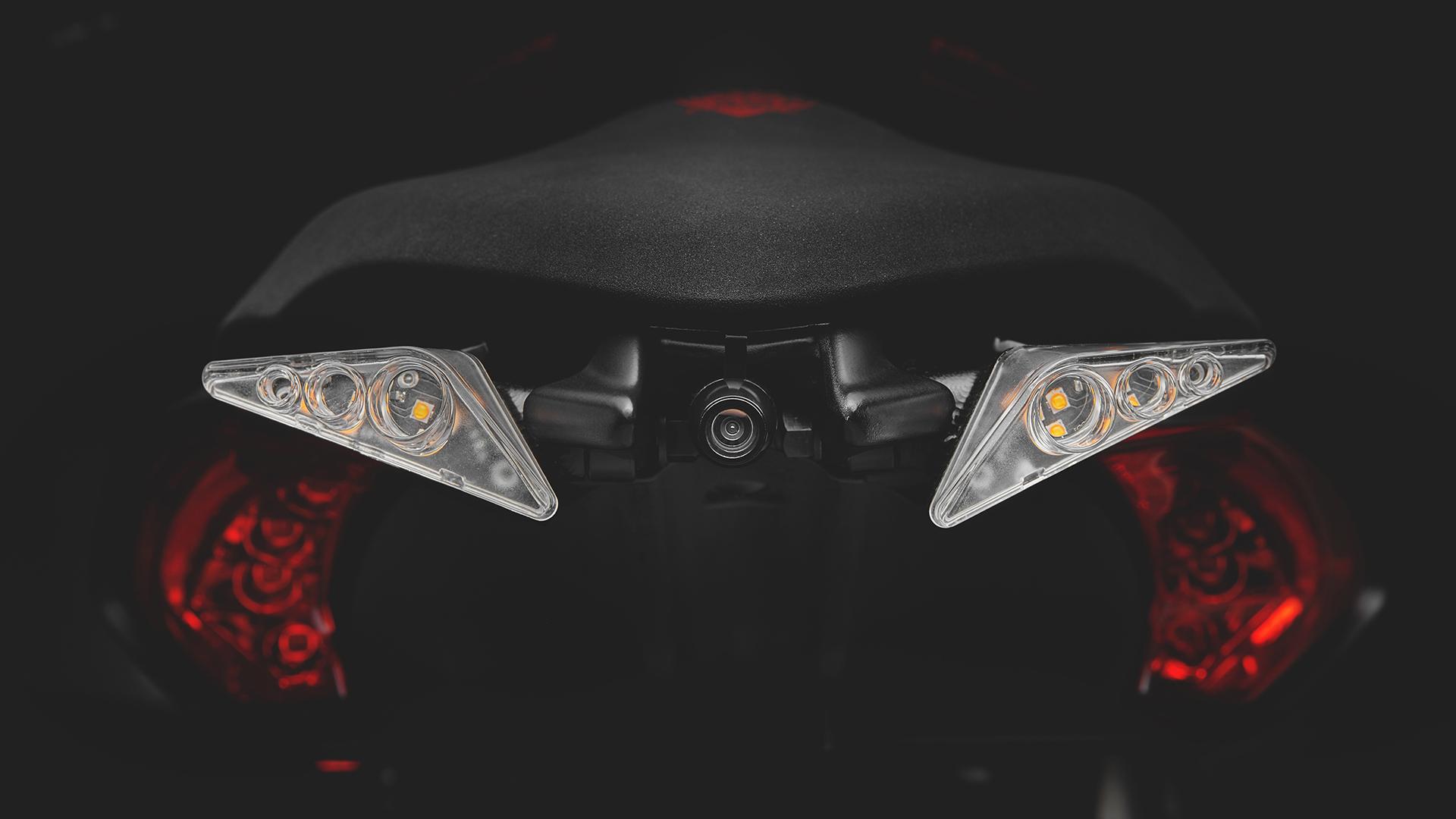 mv-agusta-dragster-blackout