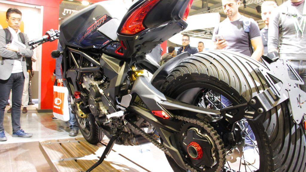 mv-agusta-dragster-blackout-valter-moto