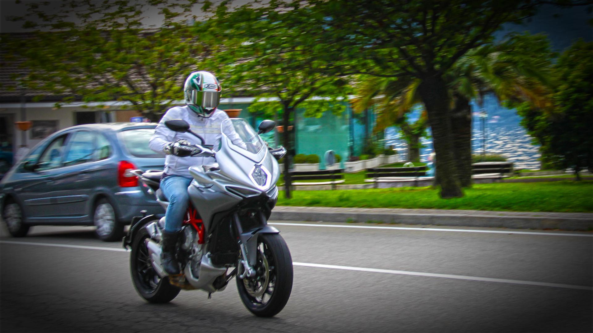 mv-agusta-turismo-veloce-prova-test-104