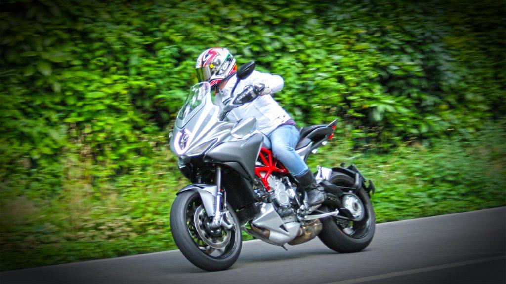 mv-agusta-turismo-veloce-prova-test-107