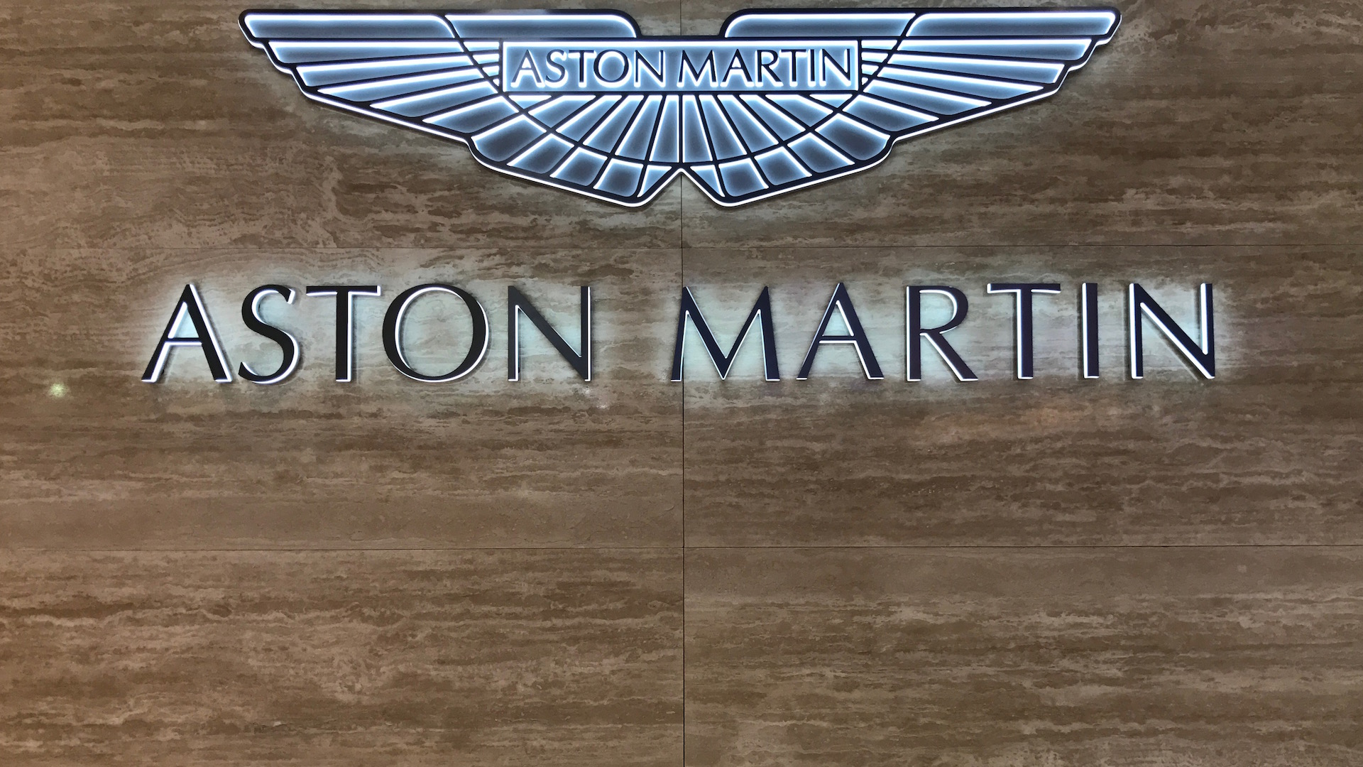 aston-martin-ginevra-2018