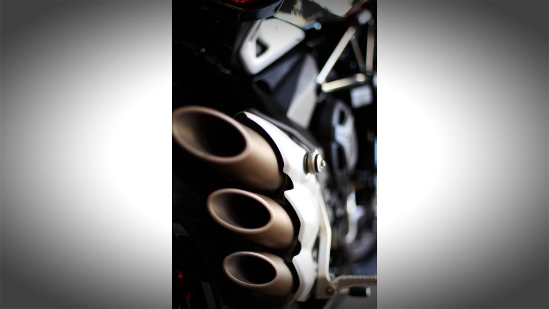 mv-agusta-dragster-800-rr-prova-test