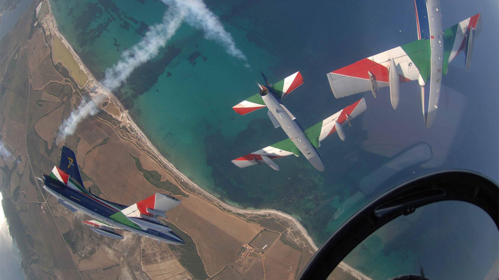 frecce-tricolori-pattuglia-acrobatica-nazionale