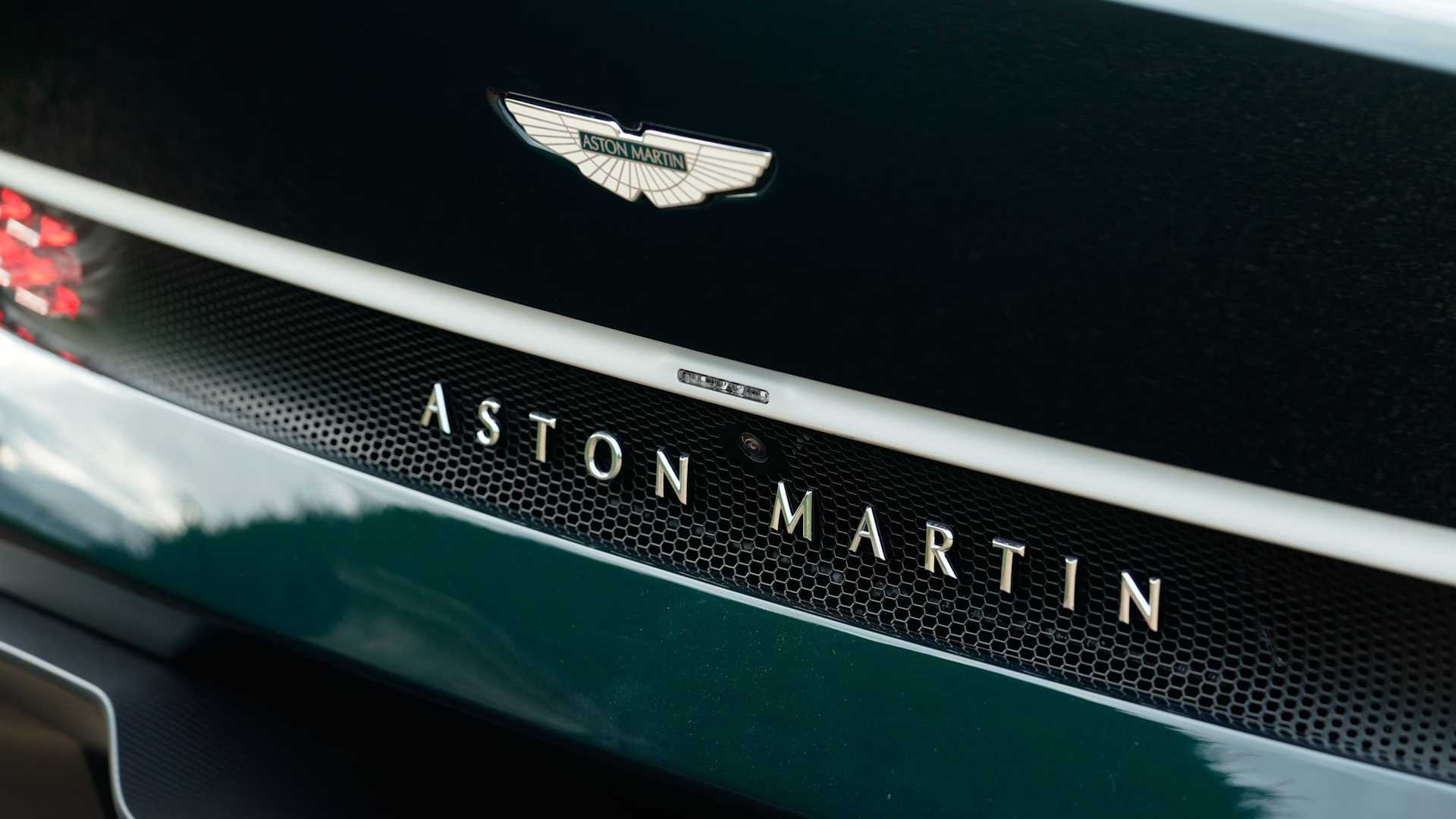 aston-martin-victor