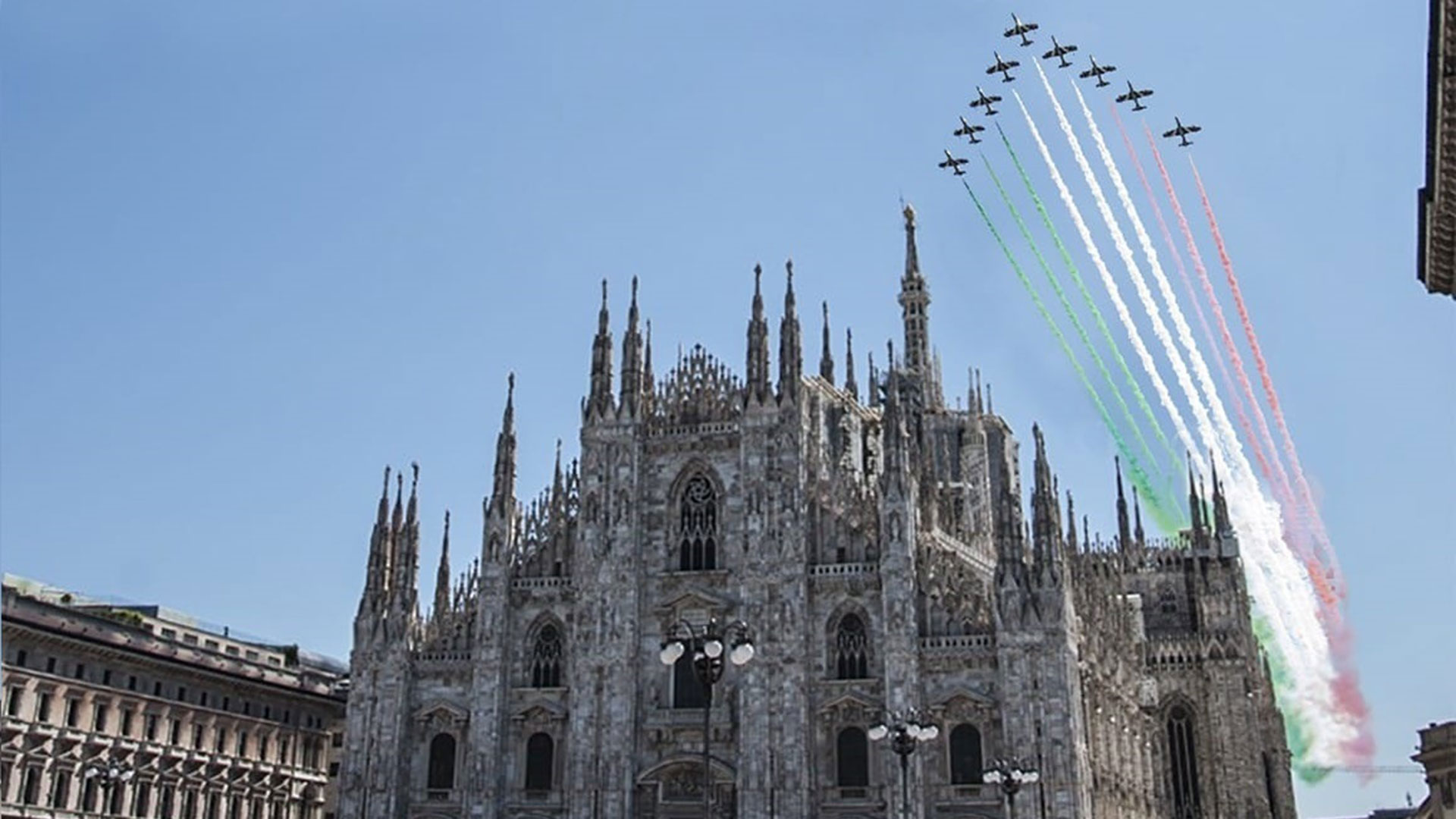 frecce-tricolori-60-anni-pan-pattuglia-acrobatica-nazionale-aeronautica-militare-(8)