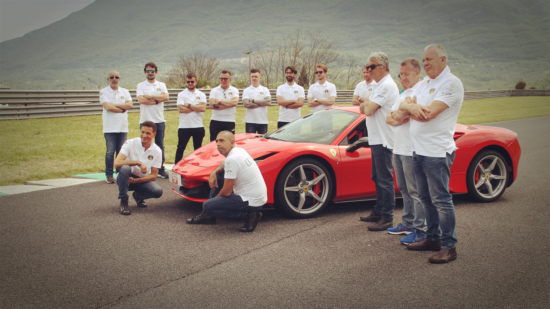 fabio-barone-ferrari-f8-tributo-guinness-world-record-2021-test-(142)