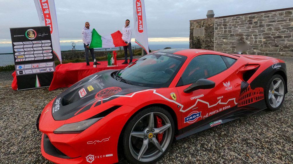 ferrari-guinness-world-record-2021-f8-tributo-fabio-barone-alessandro-tedino-roma-capo-nord-(1)